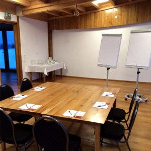 Der Seminarraum im Heckers Restaurant für kleinere Firmenevents, Tagungen, Seminare und Workshops.