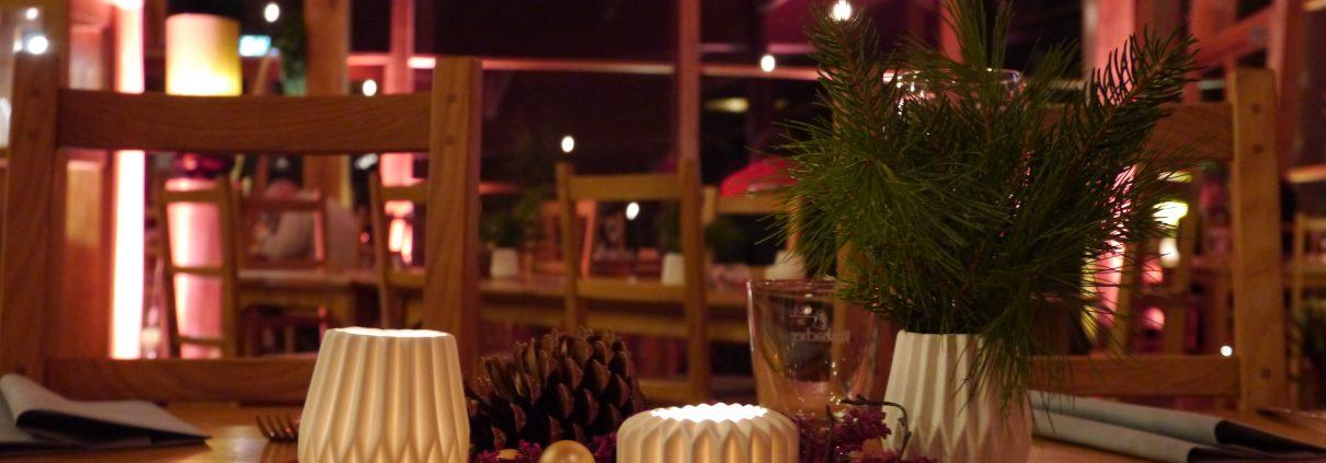 Weihnachtliche Dekoration im Heckers Restaurant.